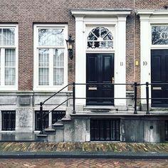 Pretty door!  #thehague #denhaag #070 #door #igersholland #architecture #holland #dutch