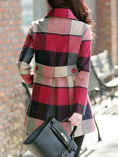 A Complete Guide to Choosing The Perfect Coat That Complements Your Taste This Season - Best Fashion Tips Iranian Women Fashion, Mode Mantel, Stylish Coat, Plaid Fashion, Fashion Coat, Looks Chic, Kurta Designs, Mode Hijab, Coat Dress
