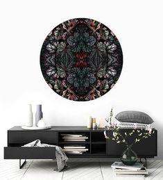 Panel dekoracyjny BOTANICAL ART no.1 to oryginalna, okrągła dekoracja na ścianę stworzona z lekkiego, a jednocześnie sztywnego i wytrzymałego materiału jakim jest spienione PCV, dzięki temu z powodzeniem możesz przykleić go na ścianę, płytki ceramiczne lub po prostu postawić na półce. DOSTĘPNE ROZMIARY: Średnica 30 cm -   89 zł Średnica 50 cm - 149 zł Średnica 70 cm - 249 zł Fox Art, Botanical Art, Tapestry, Studio, Furniture, Home Decor, Hanging Tapestry, Tapestries, Decoration Home