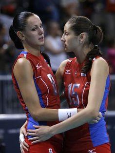 Nataliya Goncharova e Tatiana Kosheleva (RUS) - vôlei  Foto: AP