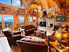 Large group cabin in Pigeon Forge with mountain views