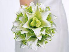 Brautstrauß weiß und grün  Hochzeit  Pinterest
