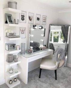 Glam Beauty Room Vanity Decor Penteadeira Bedroom Decor For Beauty Room Ideas Cute Room Decor, Teen Room Decor, Beauty Room Decor, Makeup Room Decor, Easy Diy Room Decor, Beauty Room Salon, Study Room Decor, Cute Room Ideas, Wall Decor