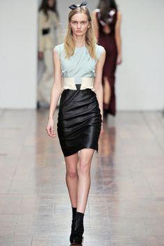 Emilio de la morena en London Fashion Week Fall/Winter´12  http://www.deli-cious.es/index.php/london/595-emilio-de-la-morena-london-fashion-week