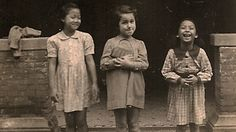 A Jewish girl and her Chinese friends in the Shanghai Ghetto, from the collection of the Shanghai Jewish Refugees Museum.