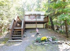 LAKE WALLENPAUPACK!! This home has lake rights, outdoor pool, and many other amenities. Make this your perfect weekend get away spot. Conveniently located close to interstate 84, shopping, hiking, swimming, fishing and more. Easy and affordable lake living!