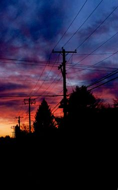and power lines, sunset and power lines, sunset and power lines, Pájaro posado en cable eléctrico con cielo al fondo. Pretty Sky, Beautiful Sky, Beautiful Landscapes, Sunset Wallpaper, Scenery Wallpaper, Line Photography, Nature Photography, Aesthetic Backgrounds, Aesthetic Wallpapers