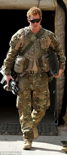 In this image released on January 21 Prince Harry walks through the British controlled flight-line in Camp Bastion on October 2012 in Afghanistan. Prince Harry has served as an Apache Helicopter. Get premium, high resolution news photos at Getty Images Prince Harry Et Meghan, Prince Harry Of Wales, Prince William And Harry, Prince Charles, Lady Diana, Princesa Diana, Meghan Markle, Prinz William, Queen Elizabeth