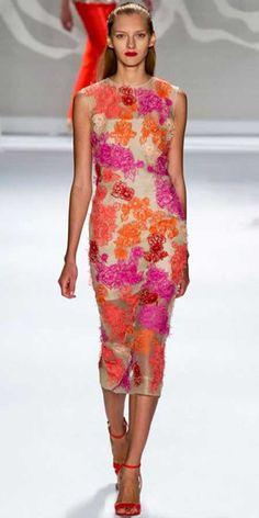 Transparan modası, gece kıyafetlerine en çok uyan trendlerden biri...