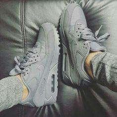sale retailer d591e 1bec7 Todo gris Zapatillas Nike Air, Botas Zapatos, Zapatos Blancos, Zapatos De  Moda,