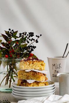 Sächsischer Kartoffelkuchen mit Zucker und Zimt ist ein einfaches Herbstrezept. Cupcakes, Dairy, Cheese, Breakfast, Food, Muffins, Winter, Pie, Brioche
