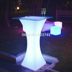 Modern Plastic illuminated rechargeable led high cocktail coffee bar table, Mange debout Lumineux LED Multicolore SQUARE