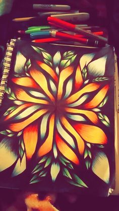 I guess you can say im obsessed with drawing flowers