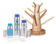 L'idée simple, mais efficace de cette arbre en Bambou, pour égoutter les biberons de bébé (et un très joli porte bijoux une fois que bébé sera grand...)