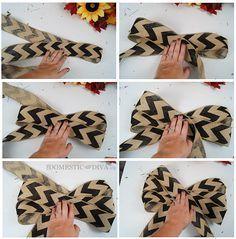 Cómo hacer un arco de arpillera para una corona