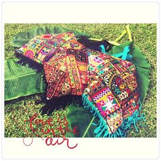 ❤️ FRIDA BAGS ❤️ TODA LA ONDA!  FLECOS Y MAS FLECOS  #FridaBag #baiga #bags #clutch #sobres #bolsos #color #flecos #color #summer #onda #cool #verano #style #moda #stylish #wow