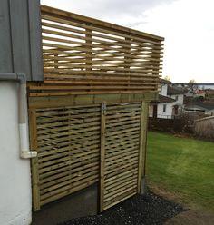 Bilderesultat for liggende rekkverk funkis Wood Deck Railing, Privacy Walls, Home Renovation, Garage Doors, Pergola, Outdoor Structures, Exterior, Outdoor Decor, Decking