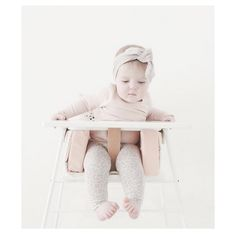 This metal highchair is a Danish Design, exclusively available at ella+elliot in Canada! White metal high chair with cushion and accessories available. Kids chair comes in white, black or grey. Chair Backs, Metal Chairs, Danish Design, Modern Chairs, 6 Years, Baby Kids, Cushion, Ships, Minimalist