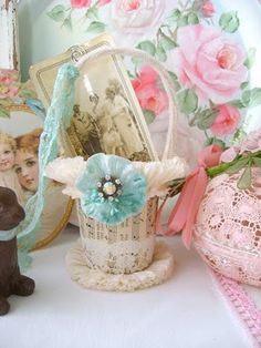 DIY Easter Basket Tutorial  (... so old-fashioned looking & sweet ... love it)