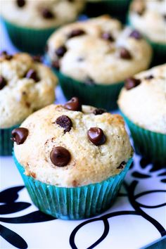 Chocolate Chip Sour Cream Muffins- the best muffins I've ever had in my life Breakfast And Brunch, Just Desserts, Delicious Desserts, Yummy Food, Sour Cream Muffins, Mini Muffins, Cheese Muffins, Bon Dessert, Sandwiches