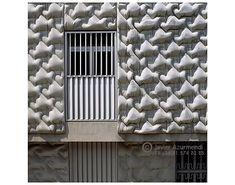 Goncrete facade cast in flexible formwork of Centro social de las Hermanas Hospitalarias, Architect Miguel Fisac, Photo by Javier Azurmendi