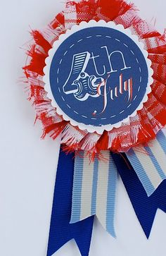 Find patriotic crafts to make this of July extra fun for kids. Quick and easy of July craft ideas will help enhance the holiday spirit and being patriotic. Patriotic Party, Patriotic Crafts, July Crafts, Holiday Crafts, Holiday Ideas, 4th Of July Celebration, 4th Of July Party, Fourth Of July, 4. Juli Party