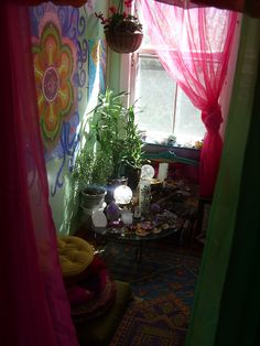 tinkertoad: The meditation space, lit up with sunny crystals!