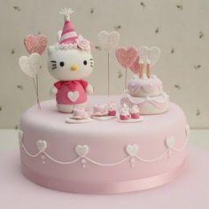 Gâteau d'anniversaire Hello Kitty Facile à faire: tous nos conseils pour y arriver!