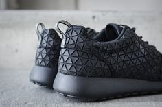 Nike Roshe Run Metric (via techwearist on Tumblr)
