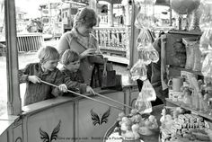 Hook-a-Duck at the fair! Goldfish for prizes! Uk History, London History, 1970s Childhood, My Childhood Memories, Old Pictures, Old Photos, Nostalgic Images, Fun Fair, Past Life
