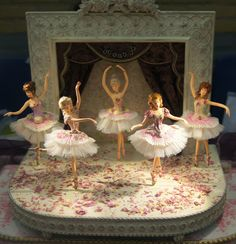 ,note the arm positions of the dancers, most realistic