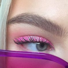 Image about pink in Make-up by ᯽𝕔𝕒𝕟𝕕𝕪 𝕗𝕝𝕠𝕤𝕤᯽ on We Heart It Makeup uploaded by 🙎🏾♀️ maqafa 🙎🏾♀️ on We Heart It Makeup Goals, Makeup Inspo, Makeup Art, Makeup Inspiration, Makeup Tips, Makeup Ideas, 90s Makeup, Barbie Makeup, Cute Makeup