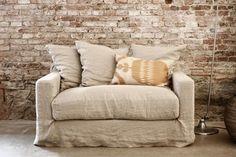 Har ni sett att Artilleriet har lanserat en alldeles egen soffa? Den finns i tio olika färger och h...