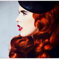 I think Paloma Faith is such a beauty. I wish that I could pull off her style! Paloma Faith Hair, Mo S, Dream Hair, Ginger Hair, Looks Style, Hair Today, Red Lips, Chicano, Hair Inspiration