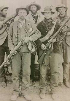 Boere krygers gereed vir kommando. Oktober 1899.