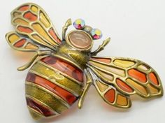 Vintage-Plique-A-Jour-Butterfly-Brooch-Stained-Glass-Moth-Insect-Pin