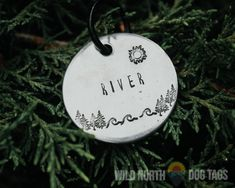 Perfect for the adventure dog or cat in your life. Fully customizable and available in copper, gold or aluminum and in several shapes like circle tags, hexagon tags, dog tags and hanging bar tags.
