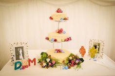 Homemade wedding cake with retro touches Wedding Cakes, Touch, Homemade, Retro, Detail, Wedding Gown Cakes, Home Made, Cake Wedding, Wedding Cake