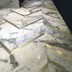 Marble flooring from Antolini at Design. The ultimate definition of luxury via IG: LGI Designs - Luxury Interior Floor Design, Tile Design, House Design, Design Bathroom, Marble Design Floor, 3d Design, Pattern Design, Luxury Flooring, Best Flooring