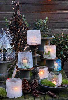 Eis-Laterne zaubern eine tolle Atmosphäre in den winterlichen Garten – und sind einfach gemacht. #Basteln #DIY #Bastelidee