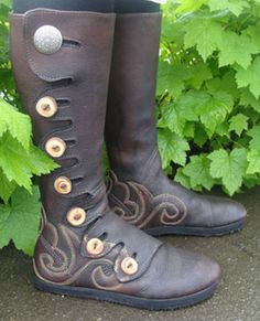 Hand Made Leather Boots By Laughing Crowe. Oh man do I want this for larping. SO. BAD.