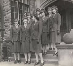 Women Marine Cadets, ca. 1944 :: Archives & Special Collections Digital Images