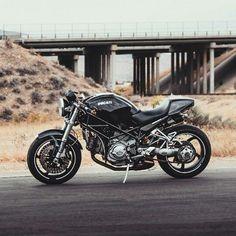 Ducati Monster Moto Ducati, Ducati Cafe Racer, Ducati Motorcycles, Vintage Motorcycles, Cafe Racers, Ducati Monster, Womens Motorcycle Helmets, Motorcycle Girls, Dirtbikes