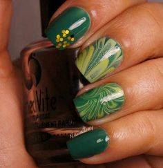 nails.quenalbertini: Sinful Colors Envy St Paddy's Watermarble | NailaDay