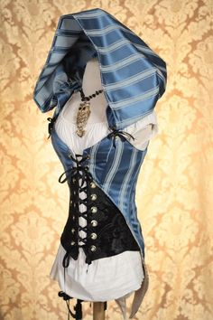 Corset with hood. DamselInThisDress (previous caption) I've seen a lot of steampunk inspired corset vests, but the addition of the hood to this one really caught my eye and made it unique! Mode Steampunk, Steampunk Cosplay, Steampunk Fashion, Steampunk Outfits, Steampunk Corset, Fashion Fantasy, Looks Style, Style Me, Mode Costume