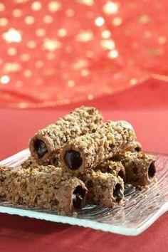 Dejte pozor, komu tyhle trubičky dáte ochutnat, protože pak na ně bude jezdit každé Vánoce. Ledaže byste mu prozradili recept... Czech Desserts, Mini Desserts, Sweet Desserts, Sweet Recipes, Healthy Dessert Recipes, Baking Recipes, Cookie Recipes, Czech Recipes, Mini Cakes