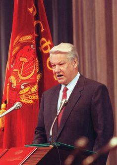 Rússia: Boris Iéltsin, primeiro presidente eleito – Primeira posse presidencial