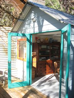 Large double doors really open up this cute little art studio