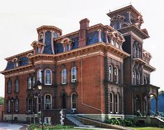 Left side view of the Jacob Henry Mansion, Juliet, Il.  The house was built in 1873 by railroad millionaire Jacob Henry.
