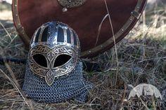Casque de combat de Viking gravé avec extérieur en cuir